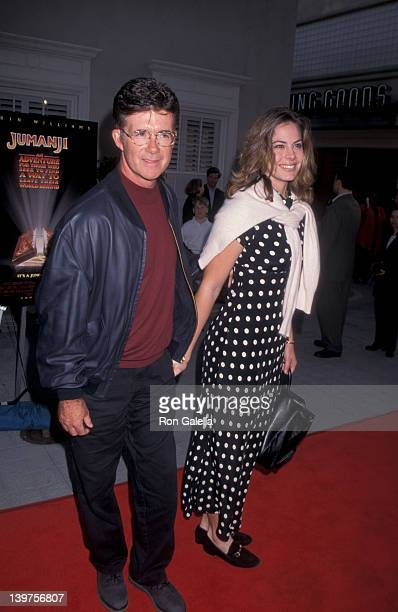 Actor Alan Thicke and wife Gina Tolleson attending the premiere of Jumanji on December 10 1995 at Sony Studios in Culver City California