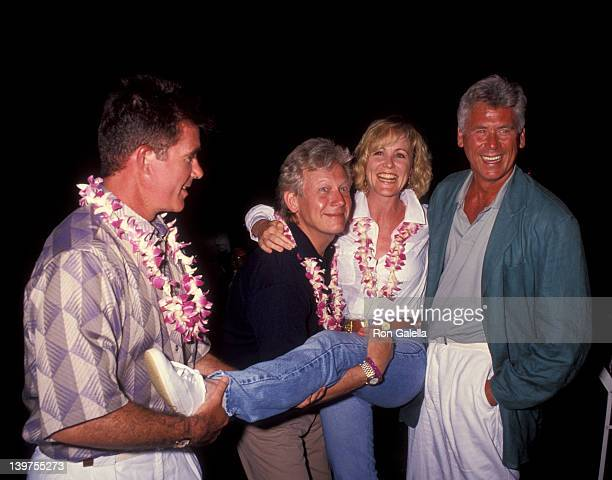 Actor Alan Thicke Bruce Davidson actress Joanna Kerns and Barry Bostwick attending Mauna Lani Celebrity Sports Invitational on May 13 1992 at the...