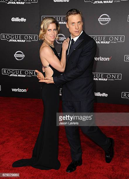 Actor Alan Tudyk and wife Charissa Barton attend the premiere of Rogue One A Star Wars Story at the Pantages Theatre on December 10 2016 in Hollywood...