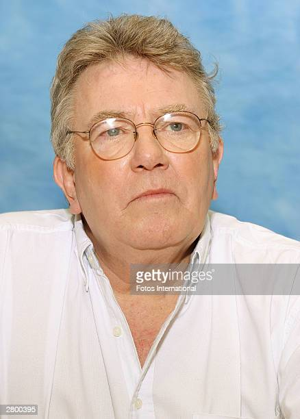 OUT*** Actor Albert Finney answers questions from the press at a junket for his new film Big Fish at the Waldorf Astoria Hotel November 24 2003 in...