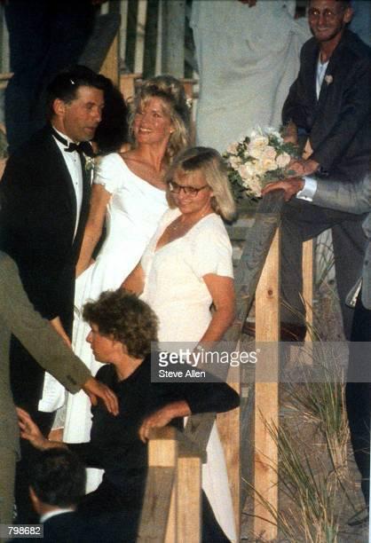 Actor Alec Baldwin and Actress Kim Basinger wed August 19 1993
