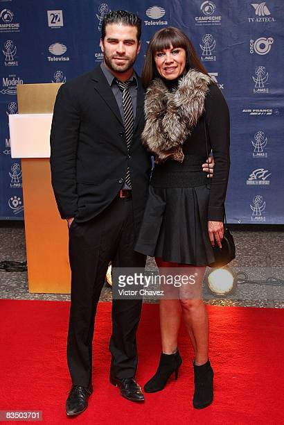 Actor Alejandro Nones and Glenda Reina attends the red carpet for Lunas del Auditorio at Auditorio Nacional on October 29 2008 in Mexico City Mexico