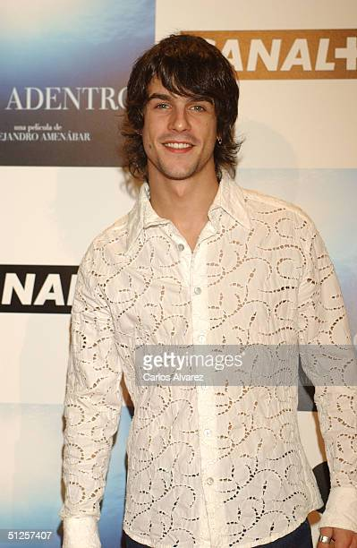 Actor Alejo Sauras attends the premiere of the new film by director Alejandro Amenabar 'Mar Adentro' at the Cinema Kinepolis on September 2 2004 in...