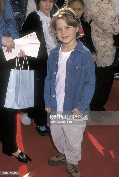 Actor Alex D Linz attends the 'Anastacia' Westwood Premiere on November 15 1997 at Mann Village Theatre in Westwood California
