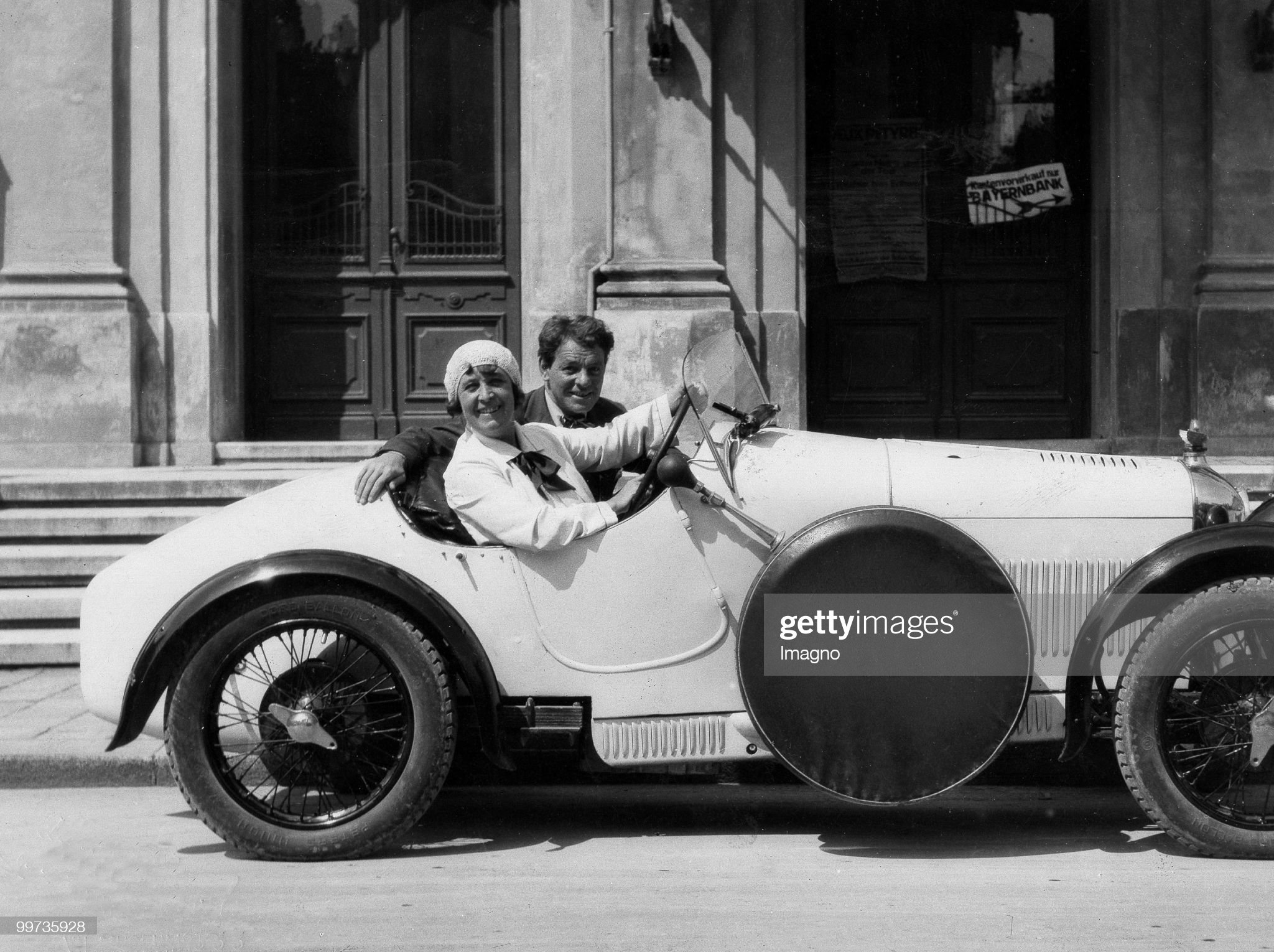 Actor Alexander Moissi and his wife Johanna Terwin in their car in Salzburg. Austria. Photograpy. 1930.  (Photo by Photoarchiv Setzer-Tschiedel/Imagno/Getty Images) : News Photo