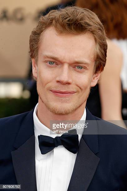Actor Alfie Allen attends the 22nd Annual Screen Actors Guild Awards at The Shrine Auditorium on January 30, 2016 in Los Angeles, California.