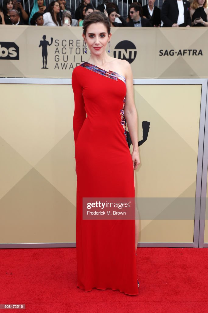 Actor Alison Brie attends the 24th Annual Screen Actors Guild Awards at The Shrine Auditorium on January 21, 2018 in Los Angeles, California. 27522_017