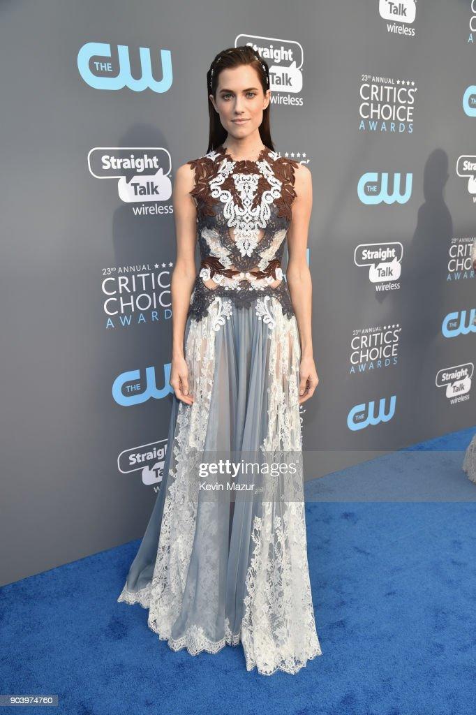 Actor Allison Williams attends The 23rd Annual Critics' Choice Awards at Barker Hangar on January 11, 2018 in Santa Monica, California.