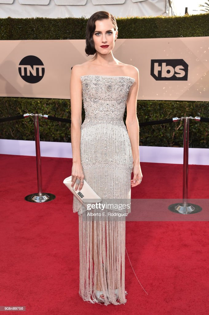 Actor Allison Williams attends the 24th Annual Screen Actors Guild Awards at The Shrine Auditorium on January 21, 2018 in Los Angeles, California. 27522_006