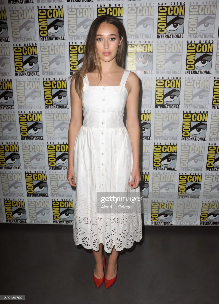 Actor Alycia Debnam-Carey attends Comic-Con International 2017 AMC's 'Fear The Walking Dead' Panel at San Diego Convention Center on July 21, 2017 in San Diego, California.