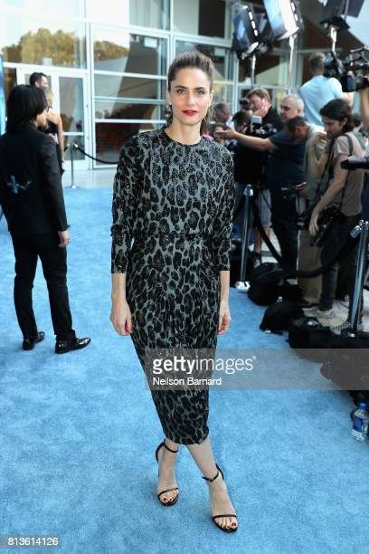 """Actor Amanda Peet attends the premiere of HBO's """"Game Of Thrones"""" season 7 at Walt Disney Concert Hall on July 12, 2017 in Los Angeles, California."""