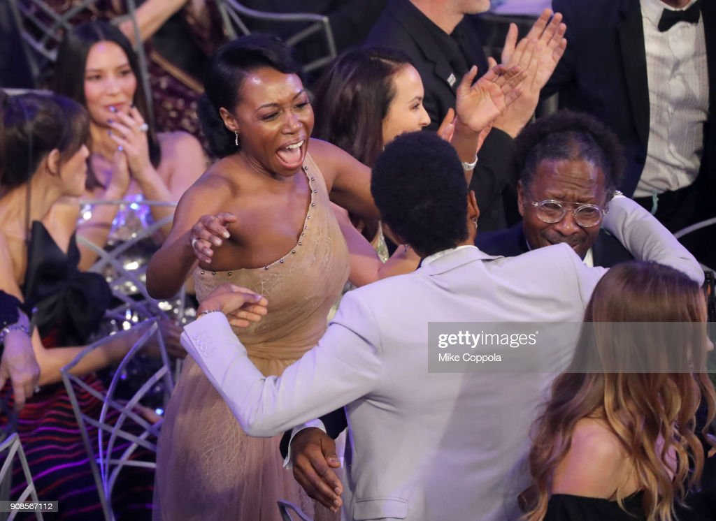 Actor Amanda Warren reacts during the 24th Annual Screen Actors Guild Awards at The Shrine Auditorium on January 21, 2018 in Los Angeles, California. 27522_014