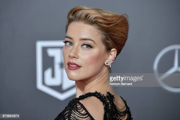 Actor Amber Heard attends the premiere of Warner Bros. Pictures 'Justice League' at the Dolby Theatre on November 13, 2017 in Hollywood, California.