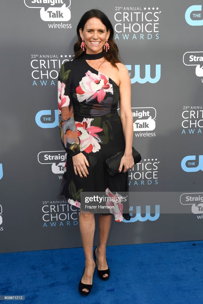 Actor Amy Landecker attends The 23rd Annual Critics' Choice Awards at Barker Hangar on January 11, 2018 in Santa Monica, California.