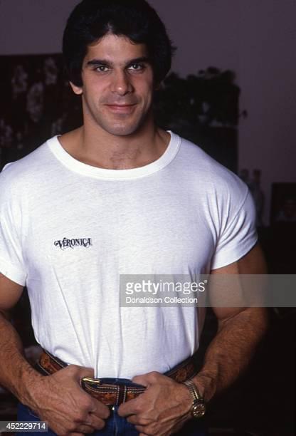 Actor and bodybuilder Lou Ferrigno poses for a portrait in circa 1980 in Los Angeles California