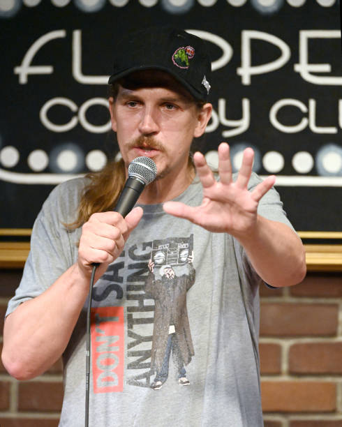 CA: Standup Comedy At Flappers Comedy Club And Restaurant