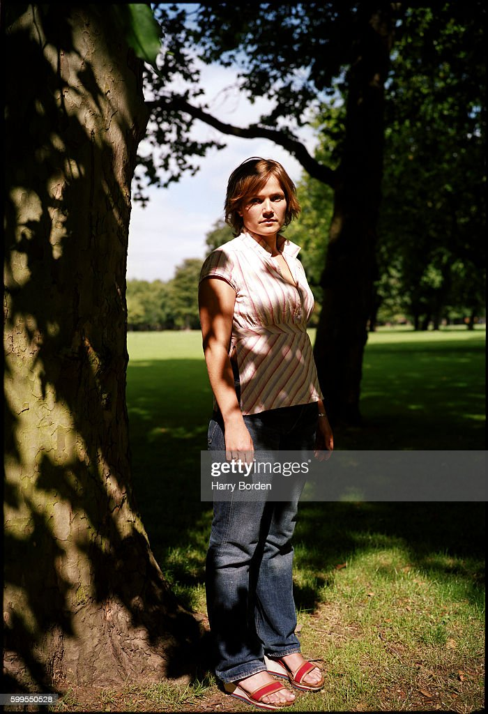 Actor and comedian Jessica Hynes is photographed for the Mail on Sunday on August 14, 2001 in London, England.
