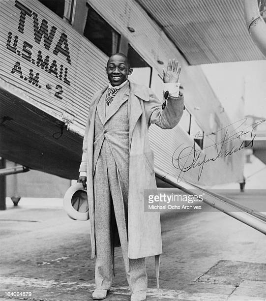 Actor and Comedian Stepin Fetchit prepares to fly to new york for an NAACP benefit in 1927 in Los Angeles, California.