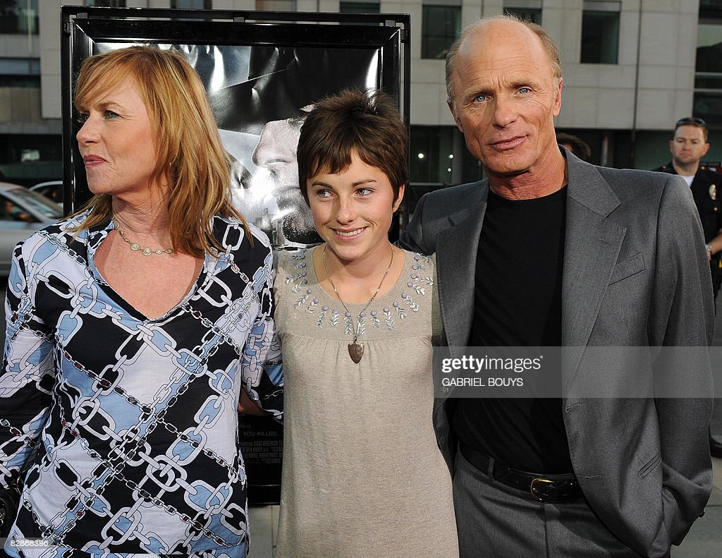 Actor and director Ed Harris (R) arrives : News Photo
