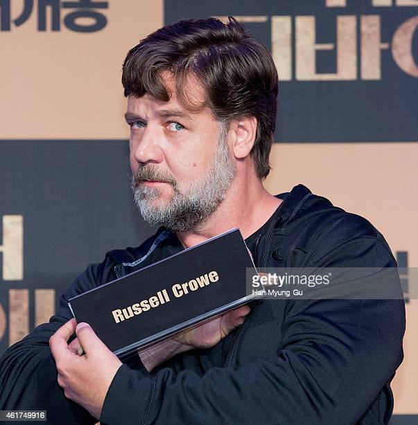 Actor and director Russell Crowe attends the press conference for 'The Water Diviner' at the Ritz Carlton Hotel on January 19 2015 in Seoul South...