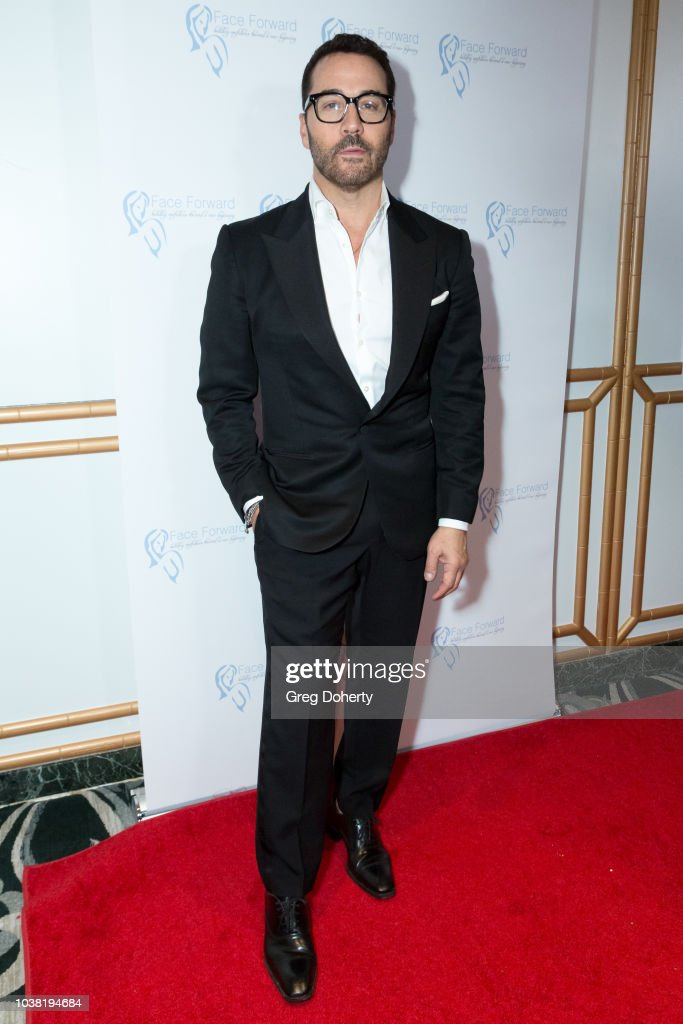 "Face Forward's 10th Annual ""La Dolce Vita"" Themed Gala - Arrivals : News Photo"