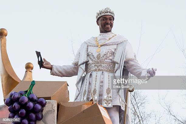 Actor and native New Orleanian Anthony Mackie reigns as King of Bacchus XLVIII in the 2016 Krewe Of Bacchus parade on February 7 2016 in New Orleans...