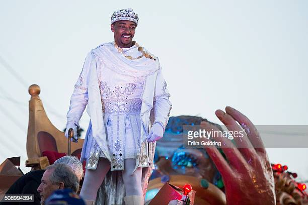 Actor and native New Orleanian Anthony Mackie tosses Mardi Gras beads to fans as he reigns as King of Bacchus XLVIII in the 2016 Krewe Of Bacchus...