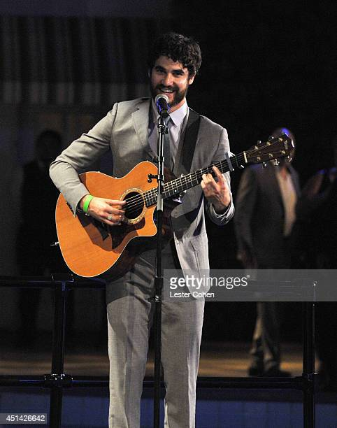 Actor and singersongwriter Darren Criss sings for the first dance of newlywed couple and Proposition 8 Plaintiffs Paul Katami and Jeff Zarrillo on...