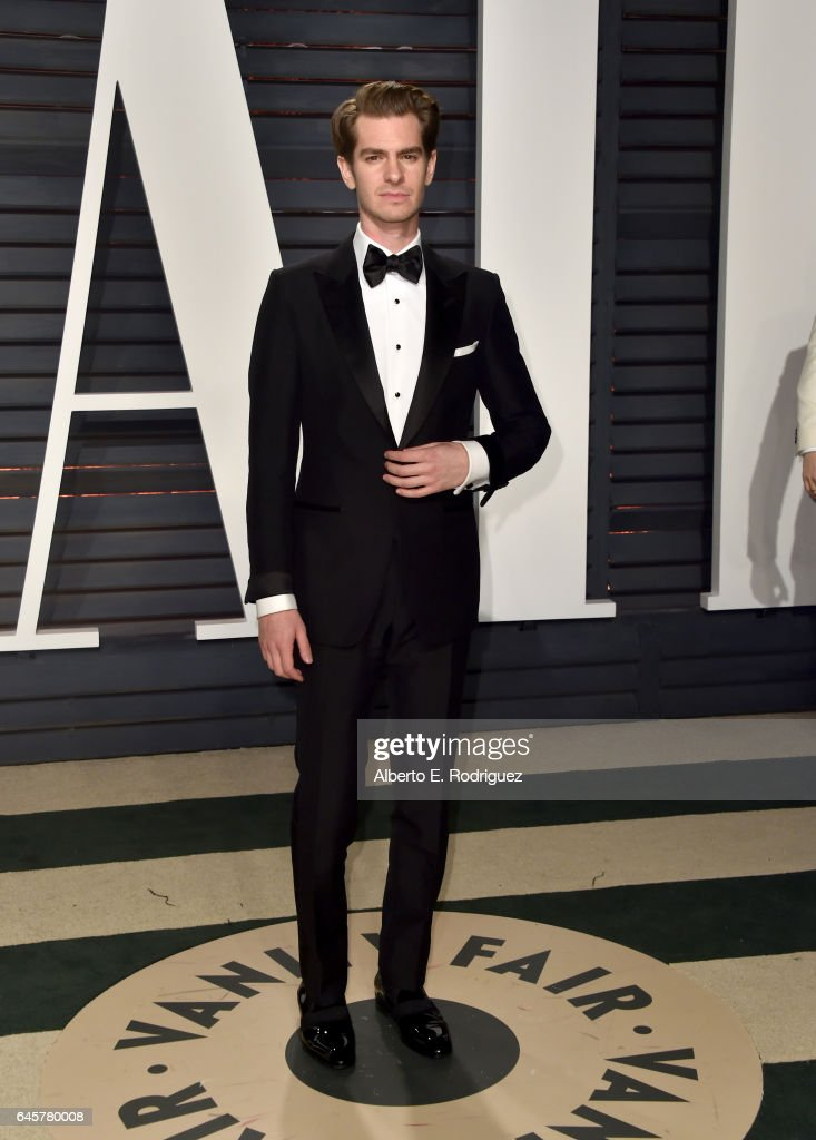Actor Andrew Garfield attends the 2017 Vanity Fair Oscar Party hosted by Graydon Carter at Wallis Annenberg Center for the Performing Arts on February 26, 2017 in Beverly Hills, California.