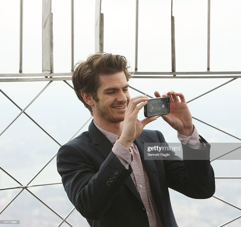 """Cast Of """"The Amazing Spider-Man"""" Lights The Empire State Building : News Photo"""