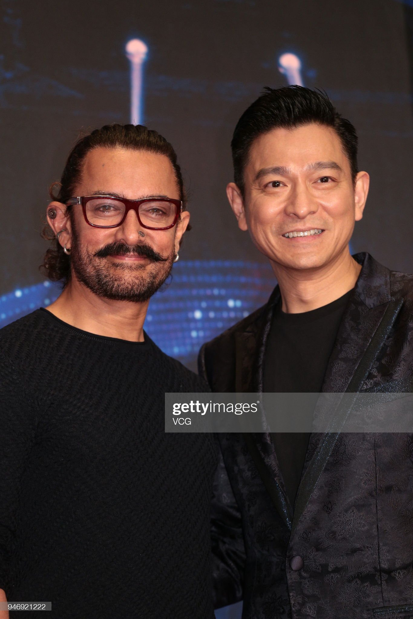 ¿Cuánto mide Aamir Khan? - Real height Actor-andy-lau-and-actor-aamir-khan-attend-secret-superstar-press-on-picture-id946921222?s=2048x2048