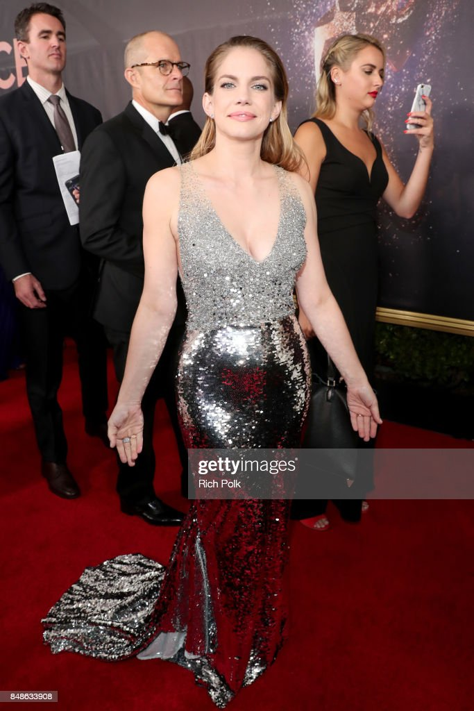 Actor Anna Chlumsky walks the red carpet during the 69th Annual Primetime Emmy Awards at Microsoft Theater on September 17, 2017 in Los Angeles, California.