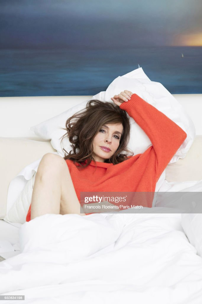 Anne Parillaud, Paris Match Issue 3588, February 21, 2018