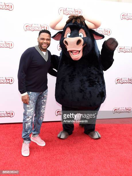 Actor Anthony Anderson and Ferdinand arrive at a screening of 20th Century Fox's 'Ferdinand' at the Zanuck Theater at 20th Century Fox Lot on...