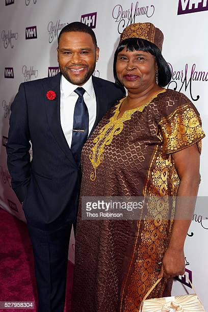 Actor Anthony Anderson and his mother Doris Hancox attend VH1's 'Dear Mama' Event on May 3 2016 in New York City Tunein to VH1 on Sunday May 8 2016...