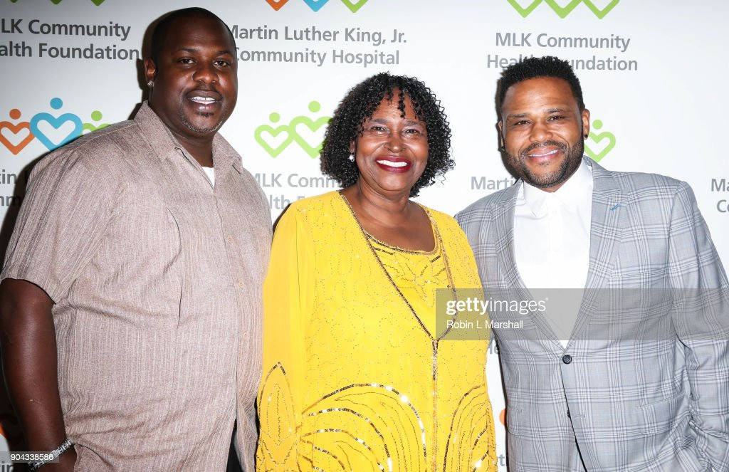 Actor Anthony Anderson (R) and mother Doris Hancox (C) attend the MLK Community Health Foundation's 'Sharing The Dream' Luncheon at Dorothy Chandler Pavilion on January 12, 2018 in Los Angeles, California.