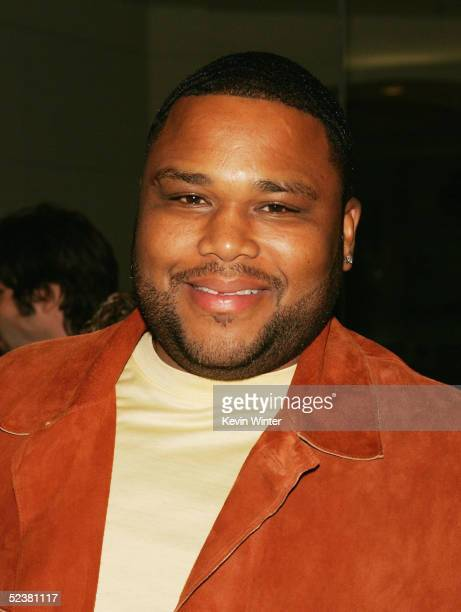 """Actor Anthony Anderson arrives at the 4th season premiere screening of FX's """"The Shield"""" at the Pacific Design Center on March 12, 2005 in West..."""