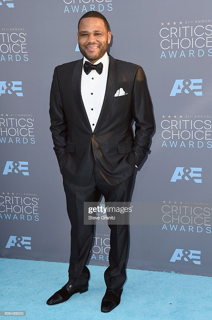 Actor Anthony Anderson attends the 21st Annual Critics' Choice Awards at Barker Hangar on January 17, 2016 in Santa Monica, California.
