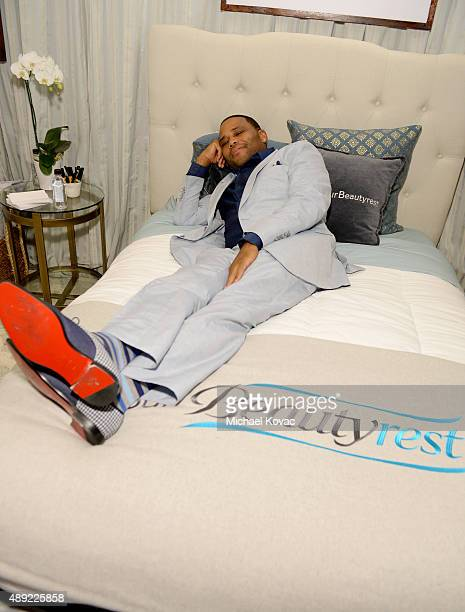 """Actor Anthony Anderson got his beauty rest with Beautyrest Mattresses at EXTRA's """"WEEKEND OF   LOUNGE"""" produced by On 3 Productions at The London..."""
