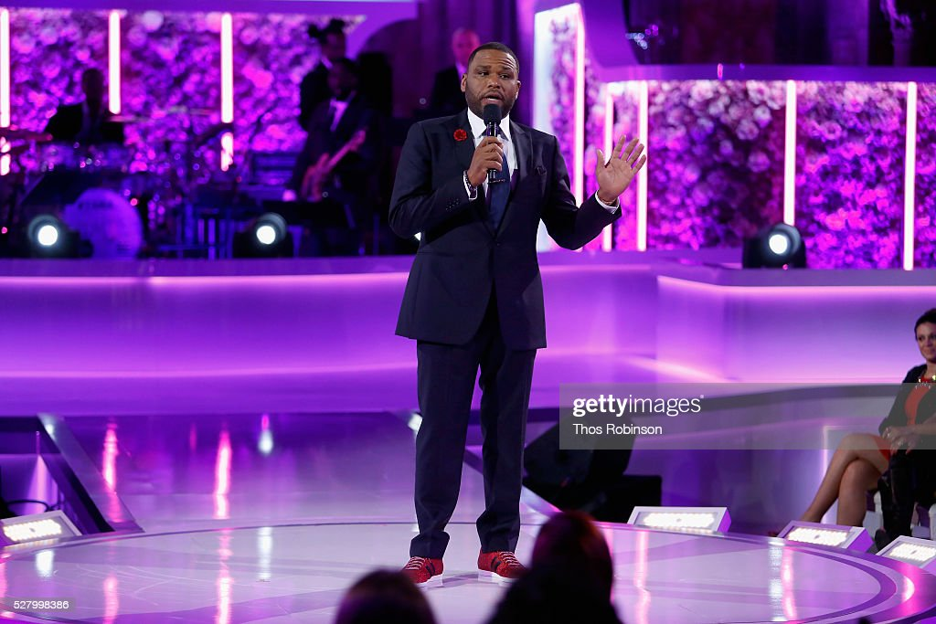 Actor Anthony Anderson speaks onstage at VH1's 'Dear Mama' Event on May 3, 2016 in New York City. Tune-in to VH1 on Sunday, May 8, 2016 at 9pm to watch 'Dear Mama'.