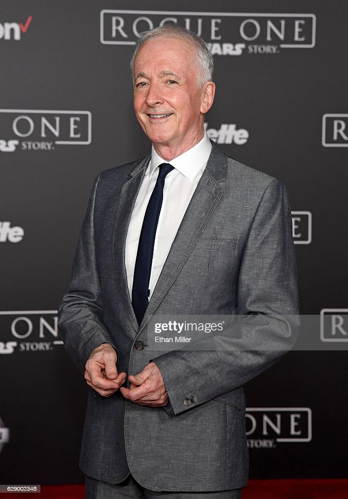 """Premiere Of Walt Disney Pictures And Lucasfilm's """"Rogue One: A Star Wars Story"""" - Arrivals"""