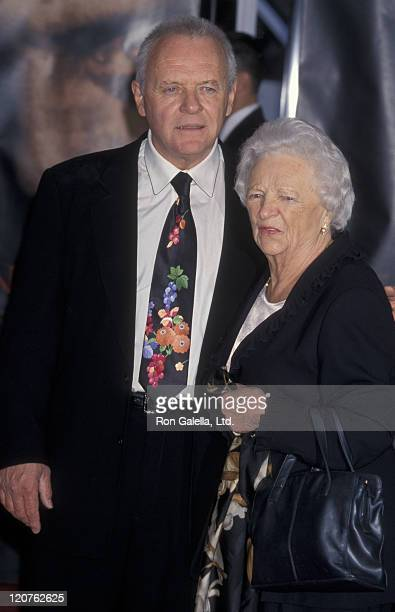 Actor Anthony Hopkins and mother Muriel Hopkins attend Anthony Hopkins Hand and Footprint Ceremony on January 11 2001 at Mann Chinese Theater in...