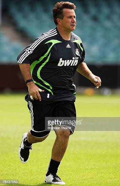 Actor Anthony Lapaglia warms up during a training session with Sydney FC at the Sydney Football Stadium on December 13, 2007 in Sydney, Australia.