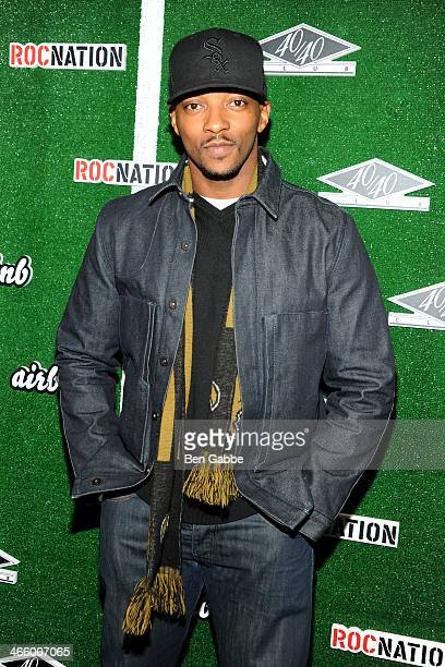 Actor Anthony Mackie attends Airbnb Roc Nation Sports present Digital Mixer at 40 / 40 Club on January 30 2014 in New York City