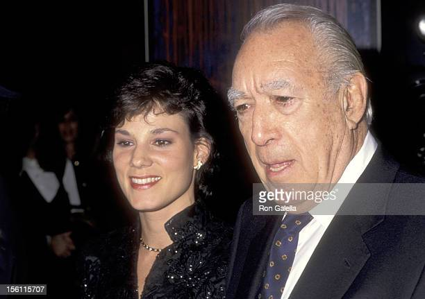 Actor Anthony Quinn and wife Kathy Benvin attend The Film Society of Lincoln Center Honors Shirley MacLaine on May 8 1995 at Avery Fisher Hall at...