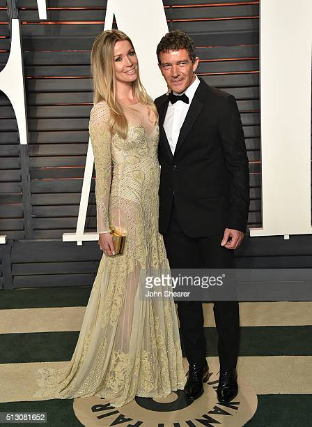 Actor Antonio Banderas and Nicole Kimpel arrive at the 2016 Vanity Fair Oscar Party Hosted By Graydon Carter at Wallis Annenberg Center for the...