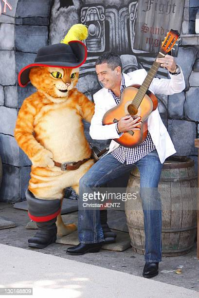 Actor Antonio Banderas attends the 'Puss In Boots' Los Angeles Premiere at Regency Village Theatre on October 23, 2011 in Westwood, California.
