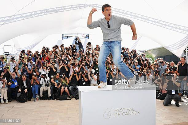 Actor Antonio Banderas attends The Skin I Live In Photocall at Palais des Festivals during the 64th Cannes Film Festival on May 19 2011 in Cannes...