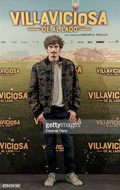 Actor Antonio Pagudo attends the 'Villaviciosa de Al Lado' photocall at Palacio de los Duques hotel on November 29 2016 in Madrid Spain