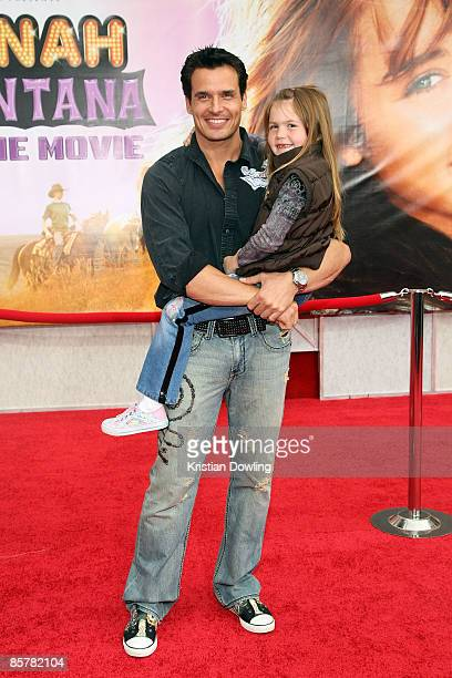 Actor Antonio Sabato Jr and daughter Mina Bree attend the Hannah Montana The Movie Premiere at the El Capitan Theatre 2 April 2009 in Hollywood...